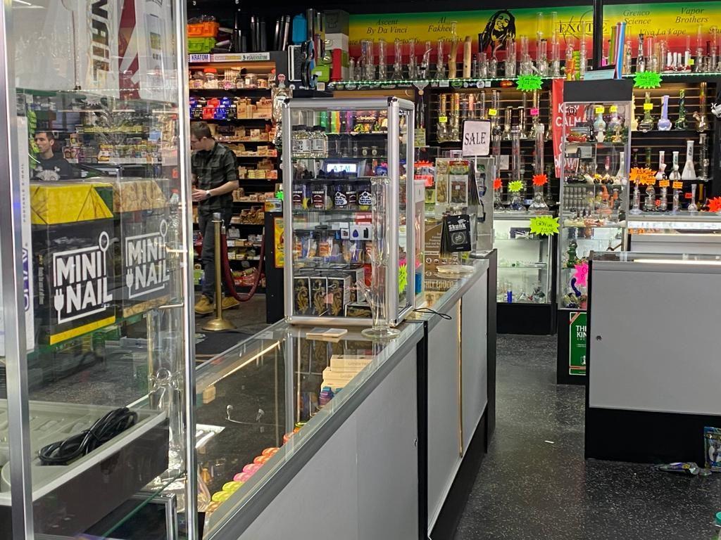 Big Sale on CBD Kratom E Mods, E cigs, vaporizers E juice